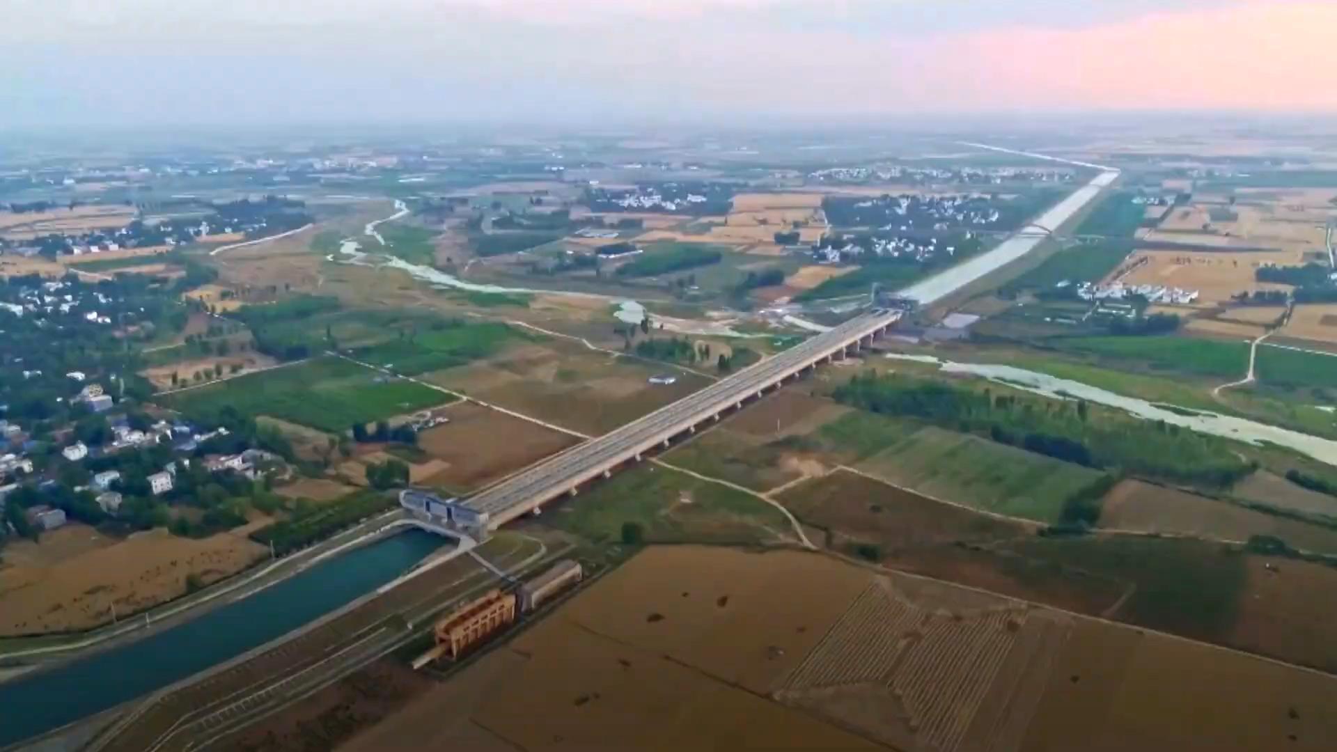 Dự án dẫn nước từ sông Trường Giang đến vùng khô hạn