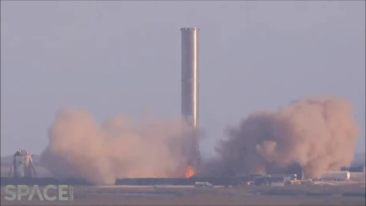 Tên lửa Super Heavy lần đầu thử nghiệm đốt động cơ
