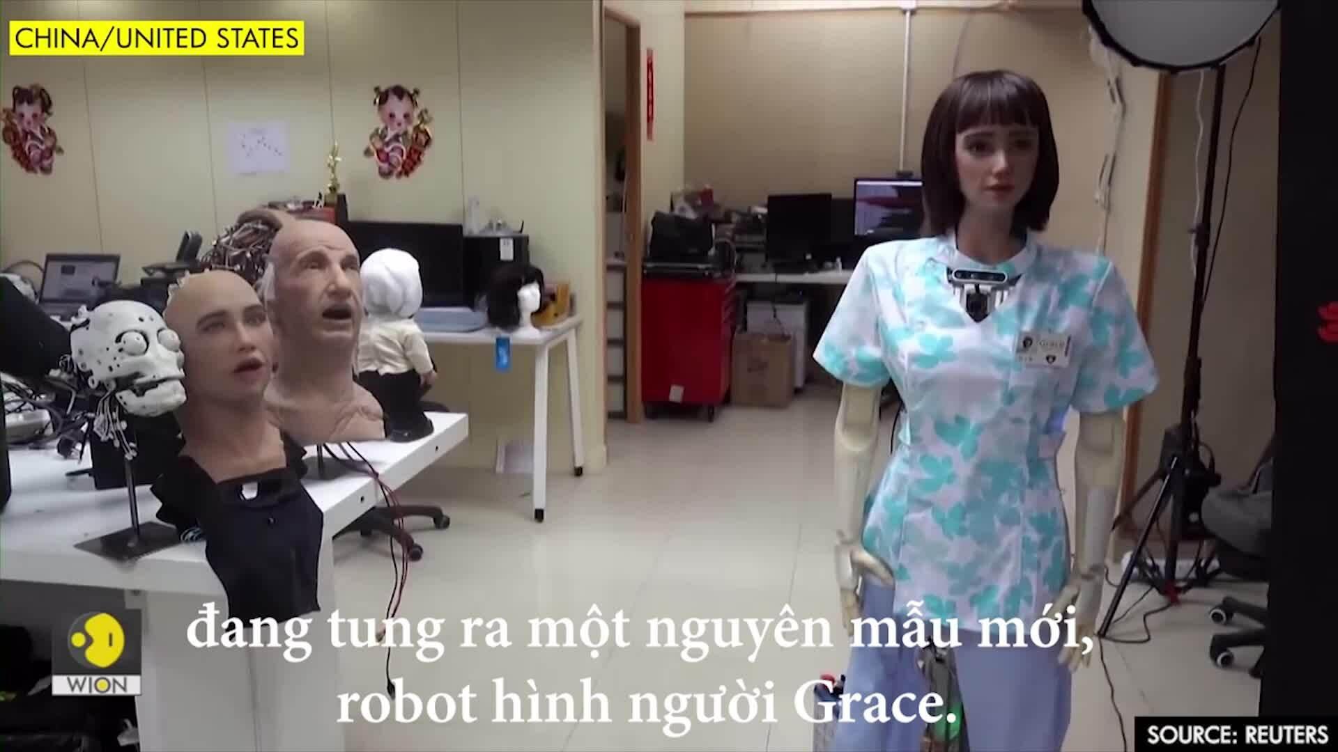'Em gái' robot Sophia giúp chăm sóc sức khỏe trong Covid-19