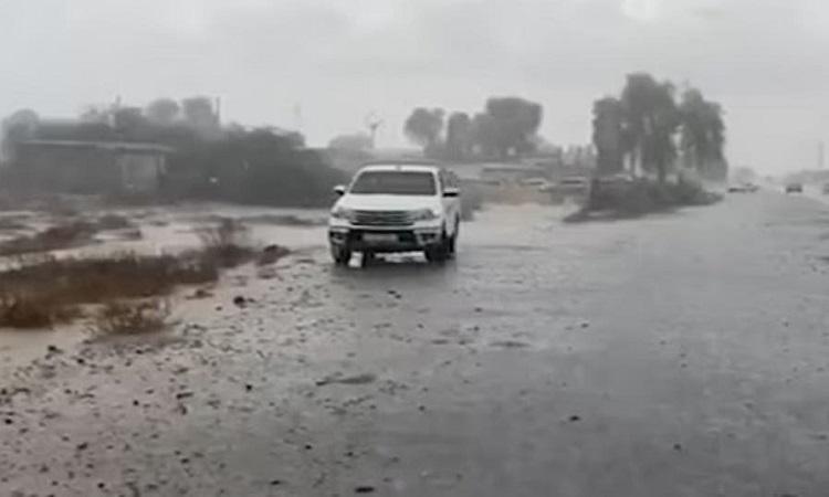 UAE làm mưa nhân tạo để giải nhiệt