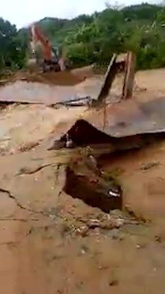 Sơ tán hơn 300 hộ dân vì mưa lũ