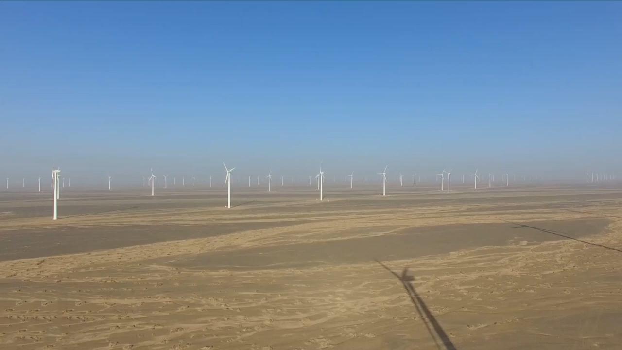 Vận hành trang trại điện gió 10 triệu kW trên sa mạc
