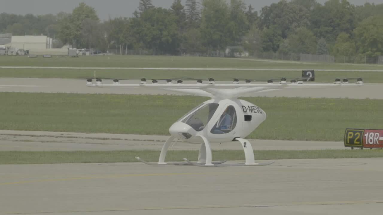 Taxi bay 18 cánh quạt thử nghiệm chở người thành công ở Mỹ
