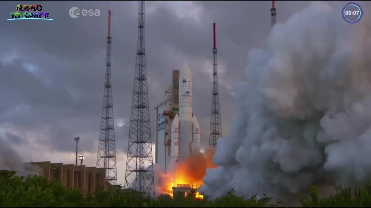 Phóng vệ tinh thương mại có thể lập trình lại đầu tiên