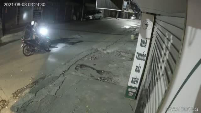 Điều tra vụ nữ lao công gom rác bị cướp xe máy