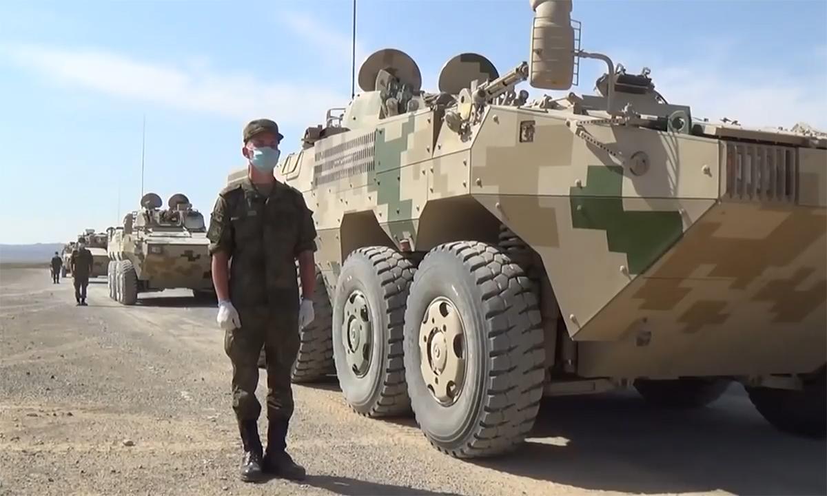 Lính Nga học bắn pháo, lái thiết giáp Trung Quốc
