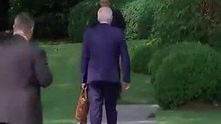 Biden 'nhầm đường' dù được mật vụ chỉ dẫn