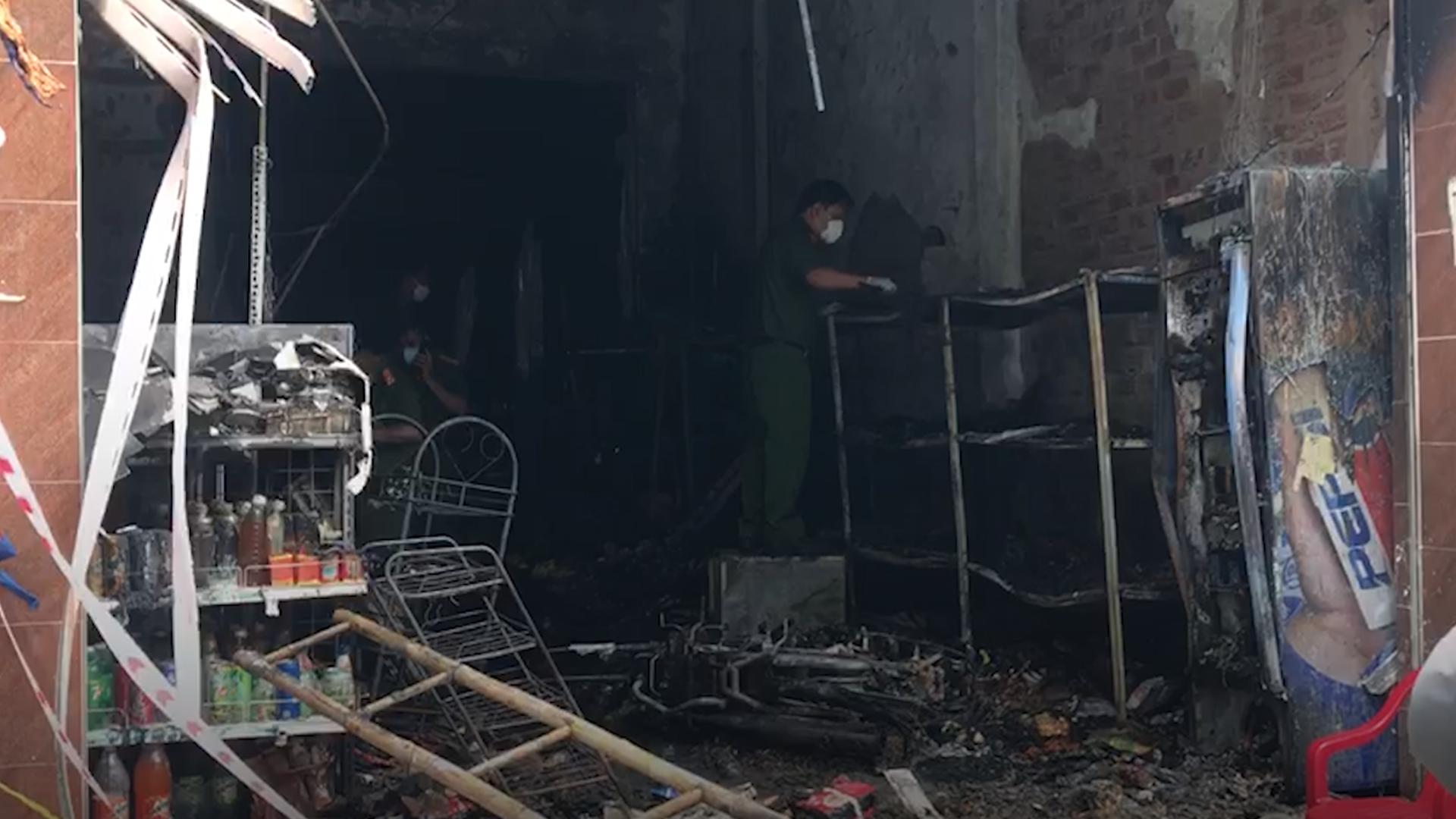 Cháy tiệm tạp hóa ở Bình Dương, 5 người chết - VnExpress