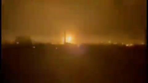 Nổ liên tiếp ngoài sân bay Kabul, ít nhất 13 người chết