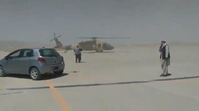 Taliban khoe vận hành trực thăng Mỹ