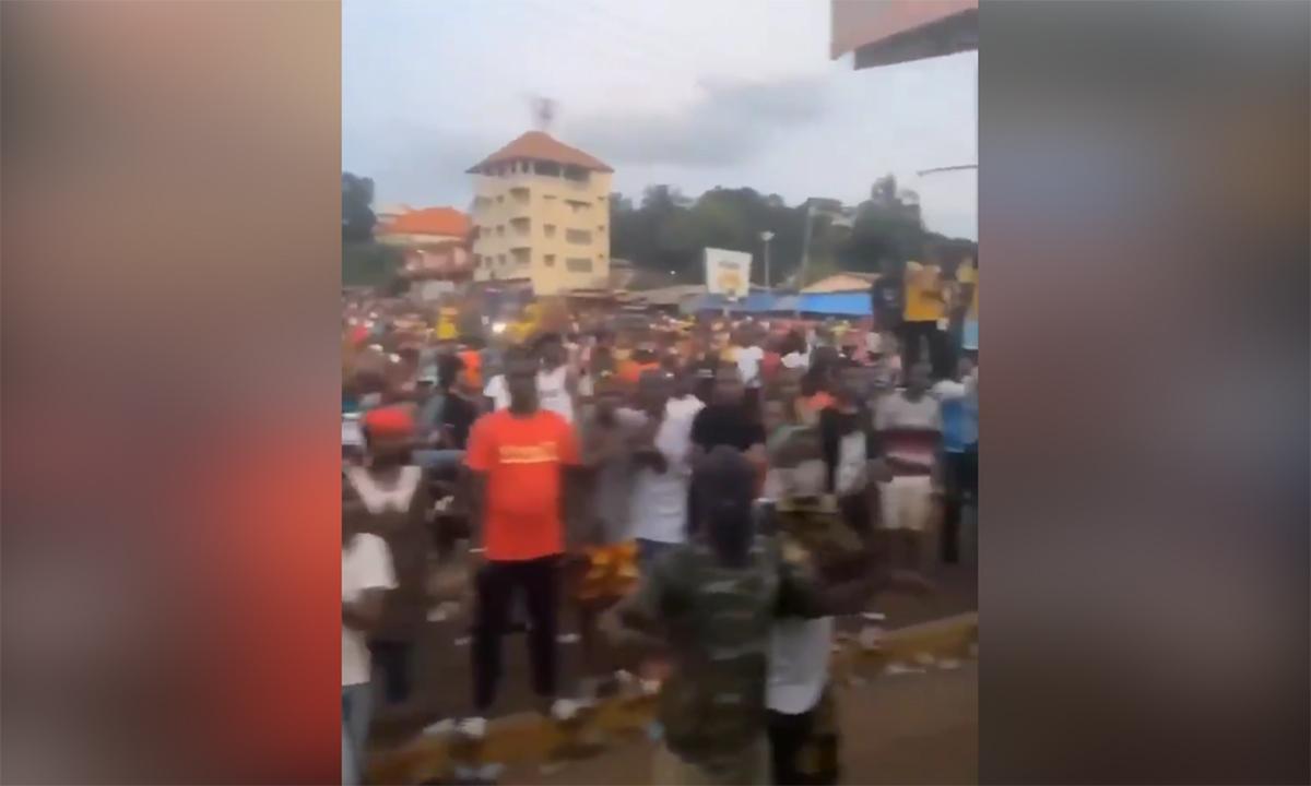 Sơ tán cầu thủ vòng loại World Cup vì đảo chính ở Guinea