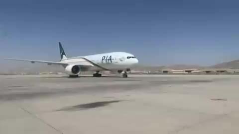 Chuyến bay thương mại đầu tiên đến Kabul dưới thời Taliban