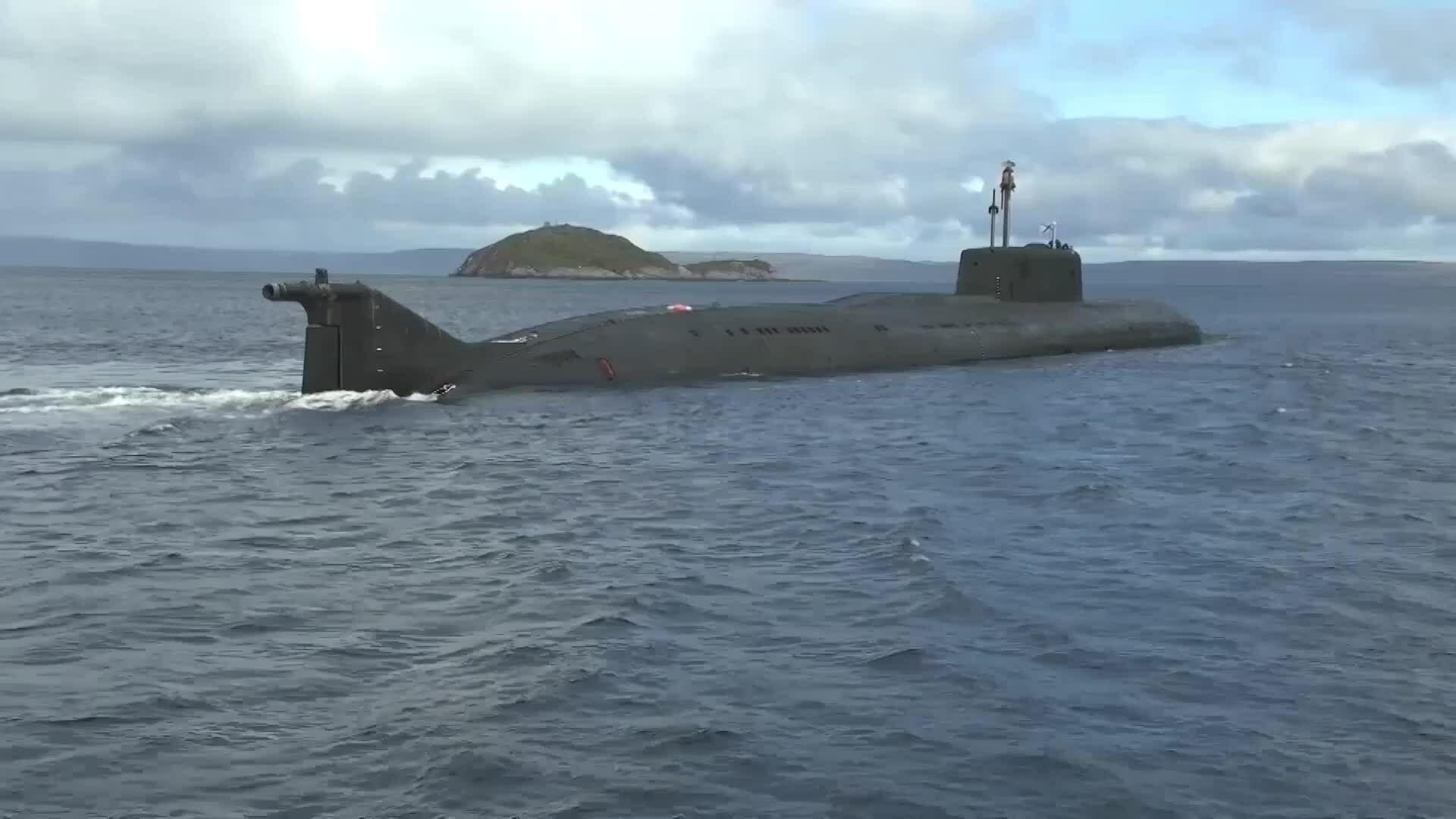Tàu ngầm Nga phóng tên lửa diệt hạm gần Bắc Cực