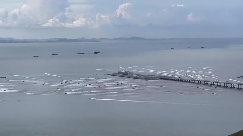 Tàu buôn lậu ngoài khơi Hong Kong